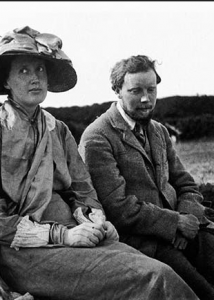 Virginia Woolf with Clive Bell in 1910